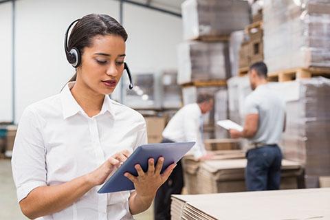 Organizacja i monitorowanie przepływu zasobów i informacji w procesach produkcji, dystrybucji i magazynowania